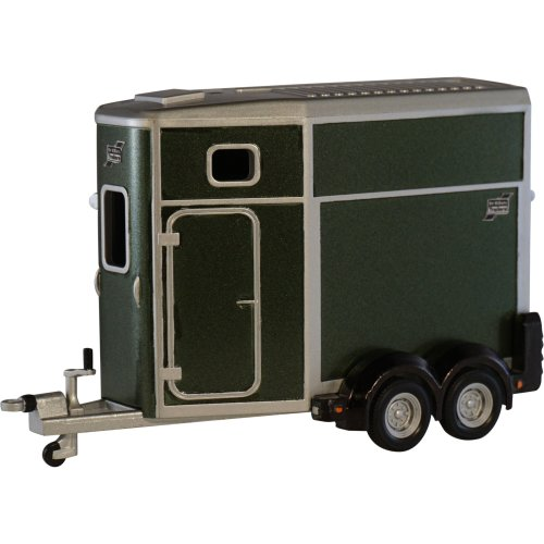 Britains 1:32 Ifor Williams Horse Box - Collectable Farm Vehicle Toy - Suitable From 3 years
