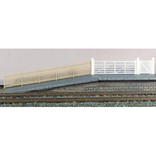 SR Precast Concrete Pale Fencing - Ratio 432A OO/HO Building & accessories