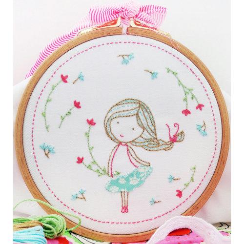 "Charles Craft/Tamar Embroidery Kit 8""X8""-Spring Girl"